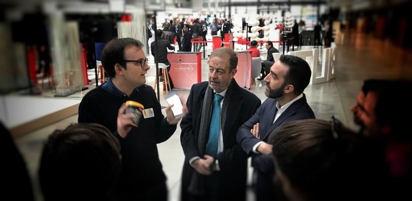 Presentando al ministro español de digital